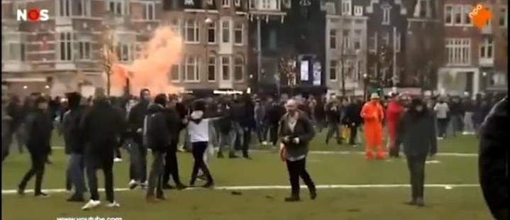 Manifestație împotriva lockdown-ului național în Olanda