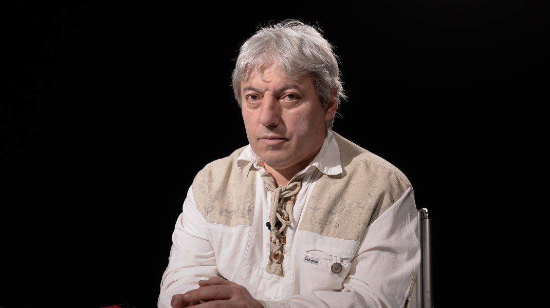 """România pare predată pe mâinile """"asasinilor economici"""", care urmăresc supunerea ei şi transformarea, în totalitate, într-o piaţă de desfacere"""