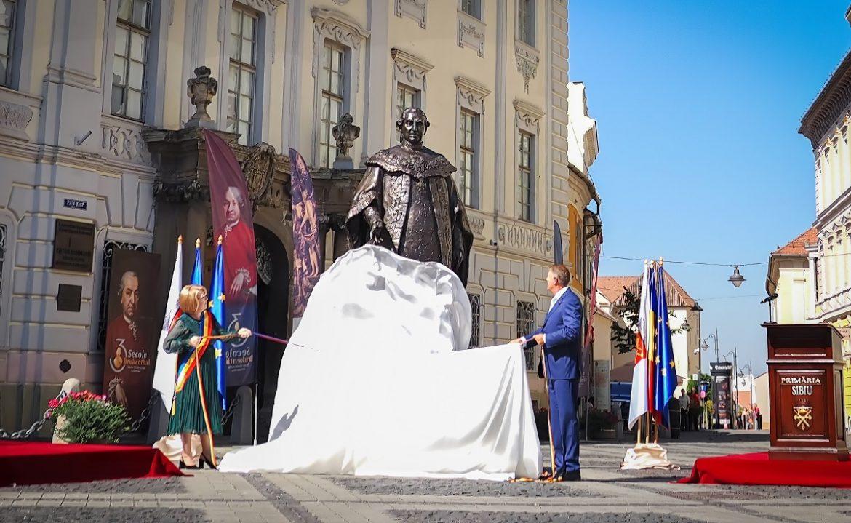 Președintele României jignește astăzi profund întreaga nație română, sfidând-o și umilind-o după ce a falimentat-o prin interpuși