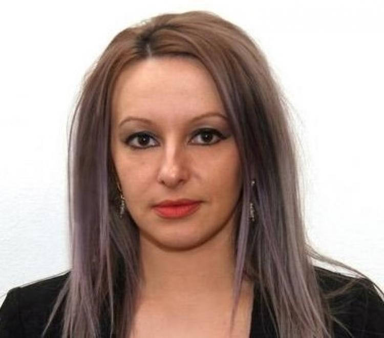 Stefania Gabriela Ferencz,fosta șefă de cabinet pentru Emil Boc,încasează sume uriașe din banii publici