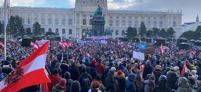 Manifestații anti-restricții la Viena și Stockholm
