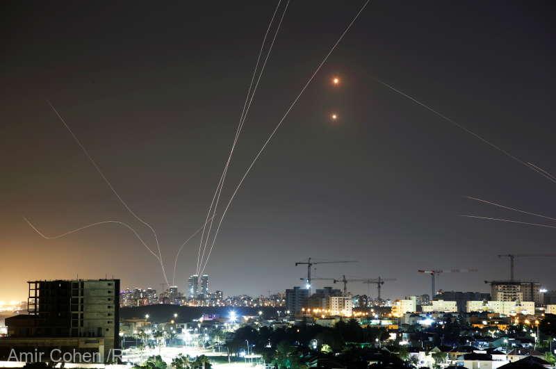 Israelul a fost atacat cu zeci de rachete lansate din Fâșia Gaza