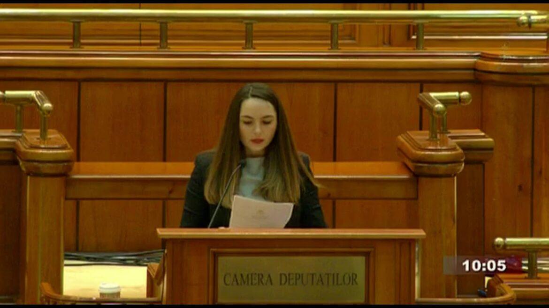 PNRR este un act de trădare națională. România împrumută bani pentru a-i da gratis, fără dobândă, firmelor de casă ale partidelor de la guvernare
