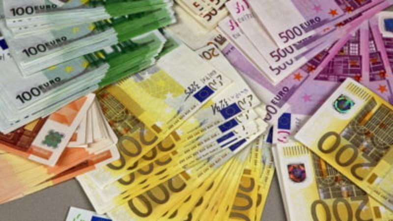 Ministerul Finanțelor a mai împrumutat alte 137, 7 milioane de lei de la bănci