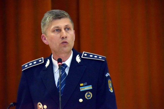Col. Florin Șinca-E vremea să oblojim biata democrație. E vremea să nu mai avem libertatea pe cartelă.Ne vedem pe 2 octombrie la Piața Universității!